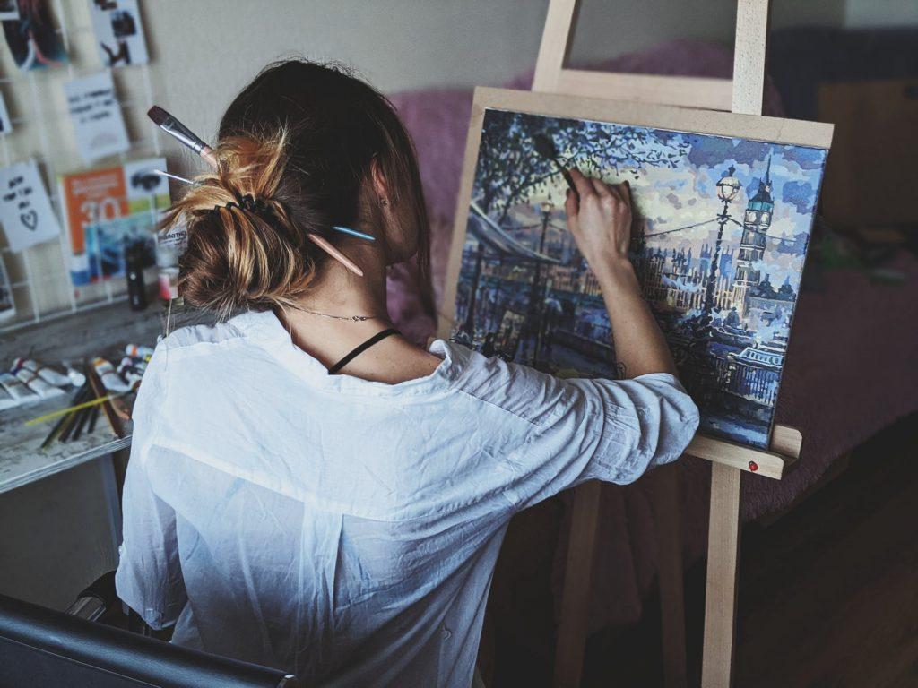 5 MOTIVOS POR LOS QUE LA PINTURA ARTÍSTICA TE MANTIENE JOVEN